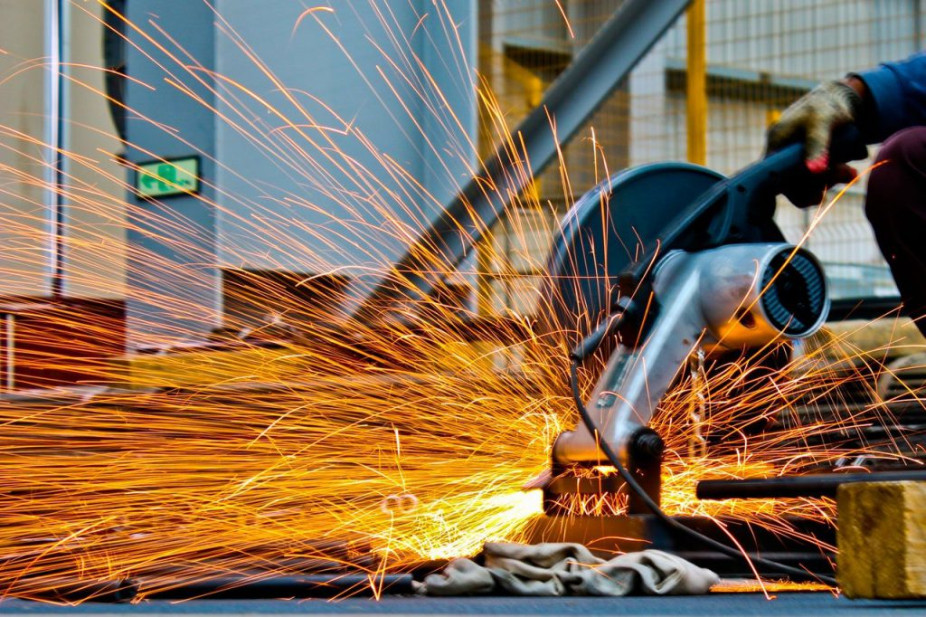 Erros financeiros: máquina industrial operando