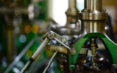 Estratégias de vendas para indústrias: máquina industrial operando